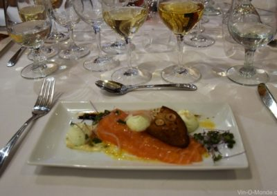 2019-11-06 Tartare de saumon, vinaigrette à l'argousier, mousse épicée